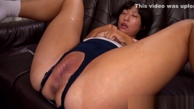 Petite asian schoolgirl makes old guy climax