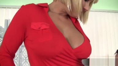 Cheating wife takes cock and facial