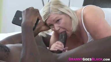 Mature lady sucks bbc and gets pussy plowed